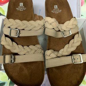 NWT White Mountain Holland Sandals